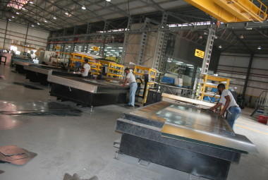 Cutting (CNC Plasma Machine)